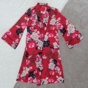 Jennifer Lopez Red Floral Print Kimono